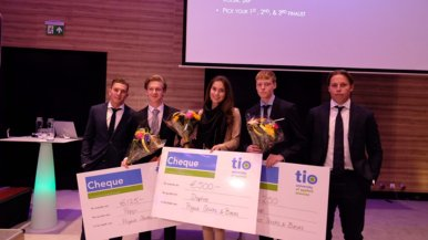 Business- en topsport-studente Daphne wint finale Stocks & Bonds